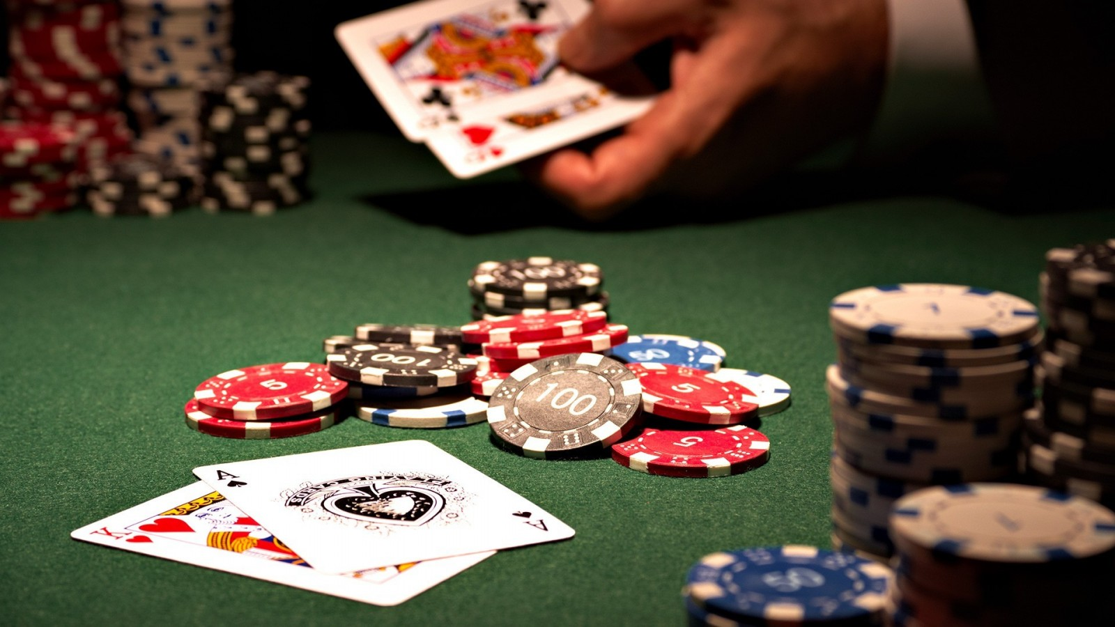 Six Invaluable Classes About Casino That You're Going To Always Remember